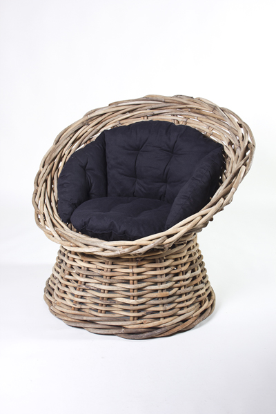 ÄRMCHAIR w/BLACK CUSHION
